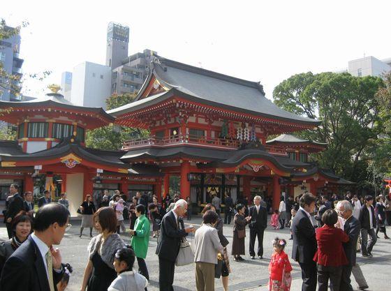 11月には大勢の七五三詣の御家族で境内は賑わいます